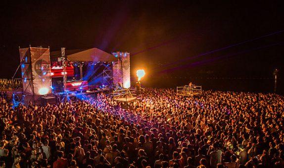 Dance festival portofoons huren